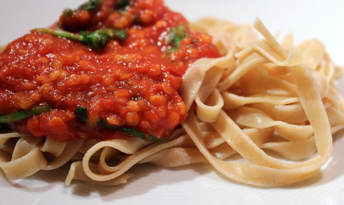 pasta med lins- och tomatsas
